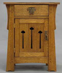 Mackintosh Keyhole End Table